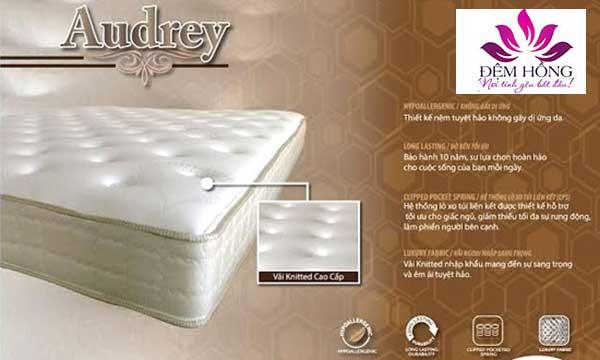 Mẫu đệm lò xo túi Audrey đến từ Châu Âu