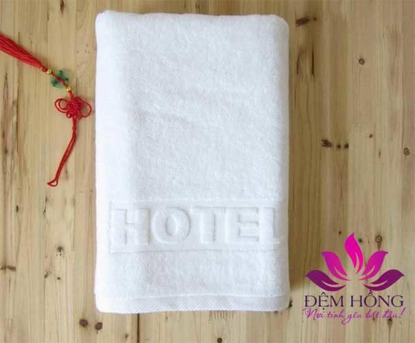 Nhận đặt thêu, in, dập logo lên khăn tắm khách sạn theo yêu cầu