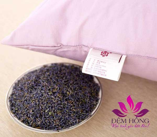 Ruôt gối hoa Oải Hương phơi khô tự nhiên có mùi thơm đặc trưng