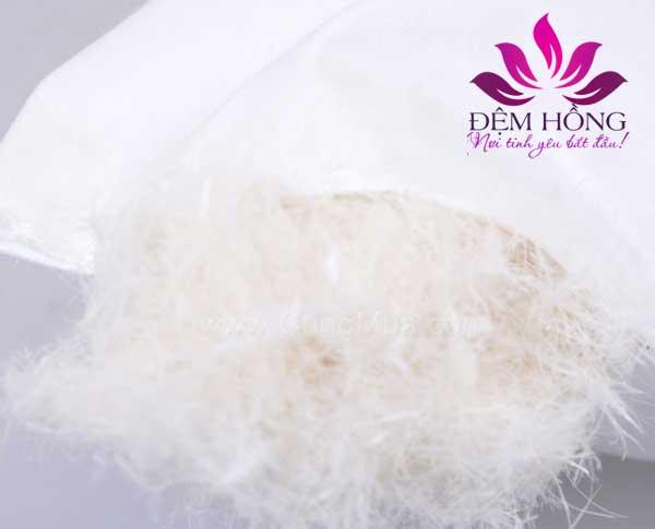 Ruột gối lông ngỗng đàn hồi tốt hấp thụ độ ẩm và kháng khuẩn rất tốt