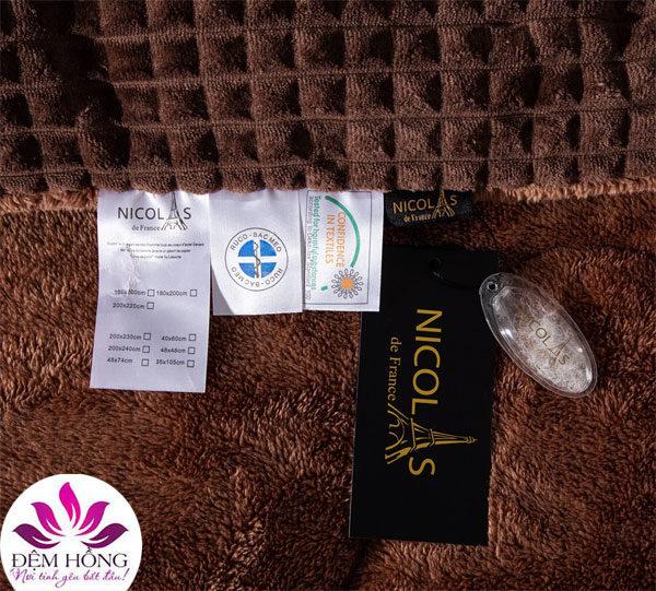 Tem mác chăn lông cừu Nâu socola Nicolas