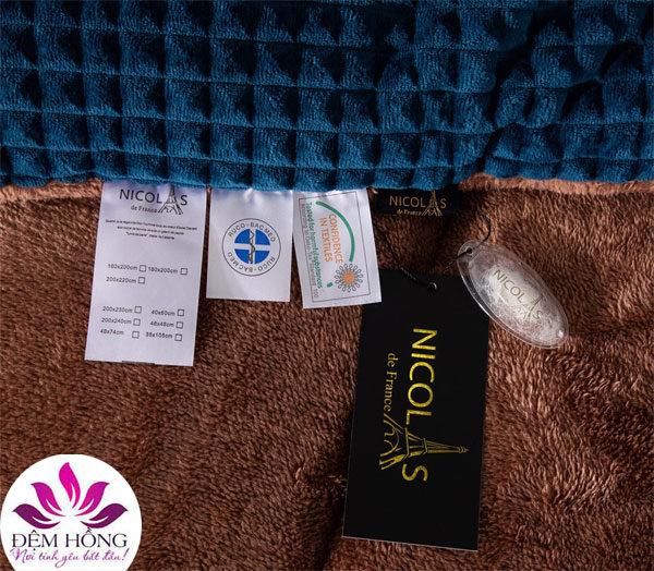 Tem mác chăn lông cừu Nicolas xanh Lục Bảo