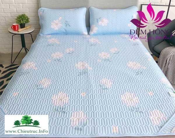 Thảm Tencel cao cấp hoa trắng nền xanh