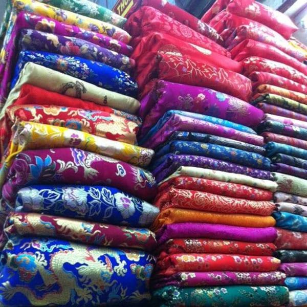 Mầu sắc vải gấm đa dạng và phong phú