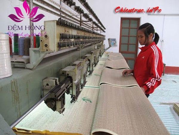 Khâu sản xuất chiếu cói Xuân Hòa