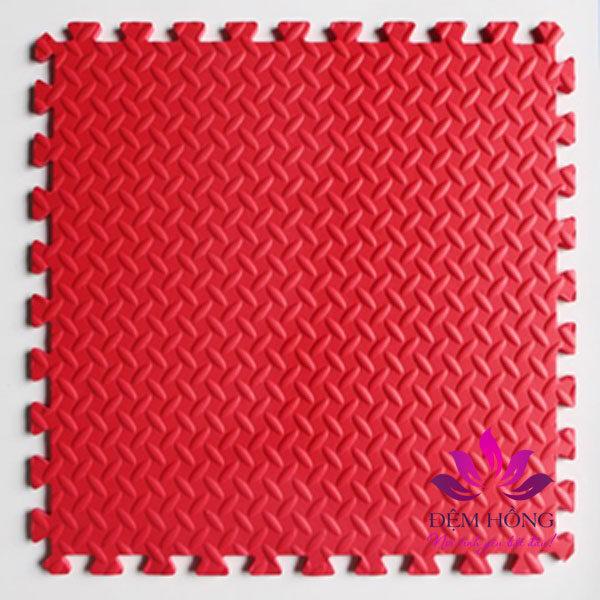 Xốp trải sàn 60x60 Mầu đỏ vân lá khế