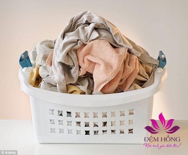 Được sử dụng rất rộng rãi trong việc may mặc hằng ngày giúp tạo ra những bộ quần áo thấm hút tốt.